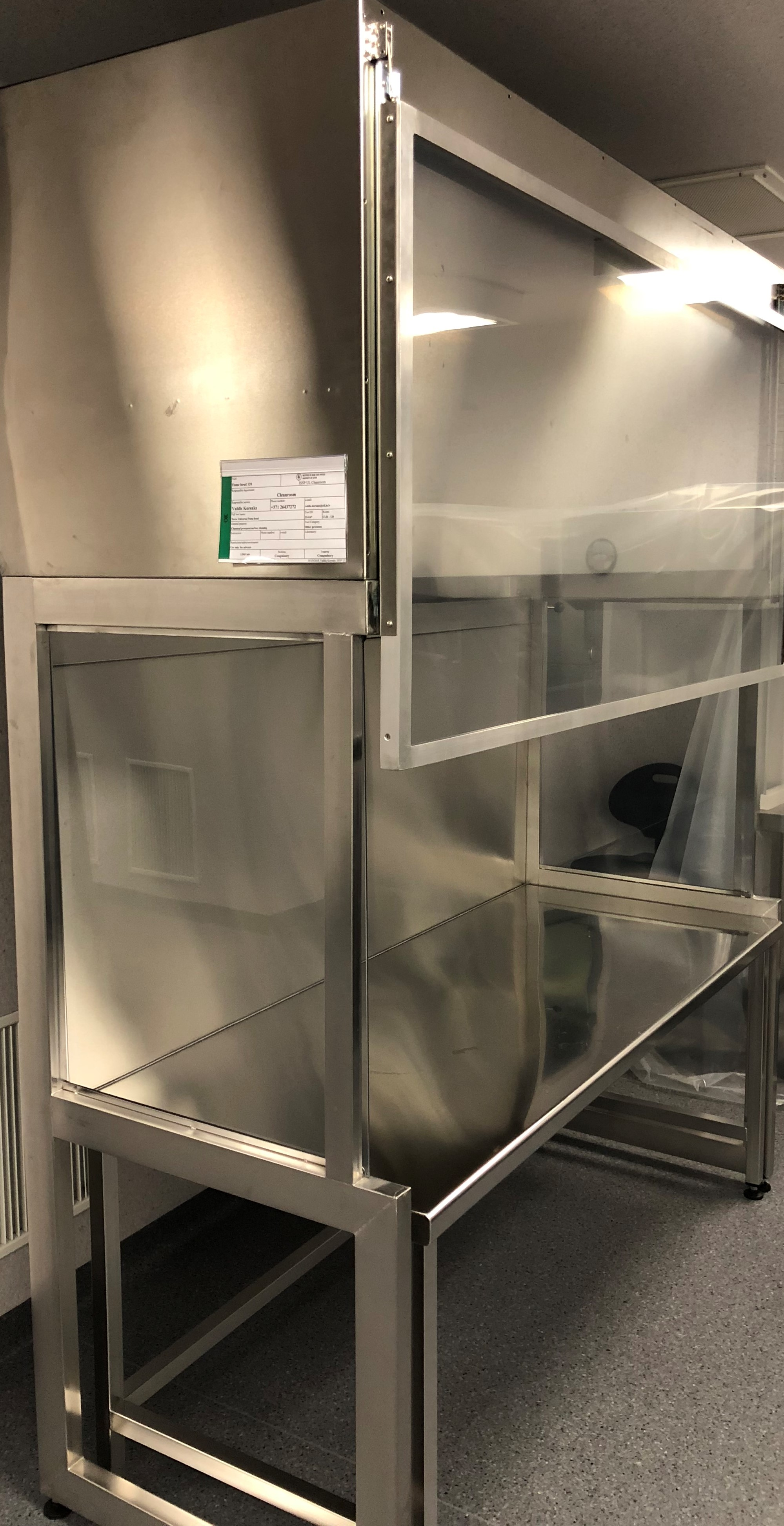 Picture of Fume hood 120
